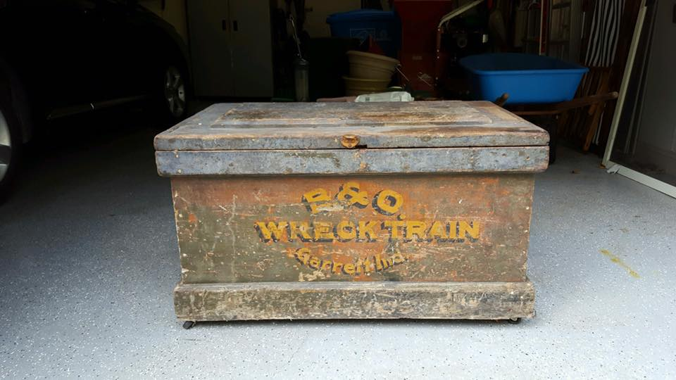 bo-wreck-train-tool-box-w-tools
